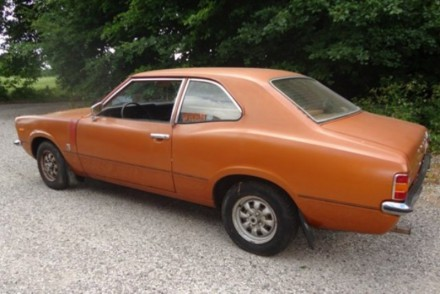 bronzemetal-ford-cortina-fra-1975