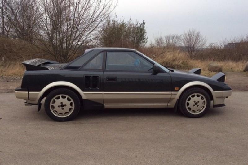 centermotoriseret-toyota-mr2-fra-1985